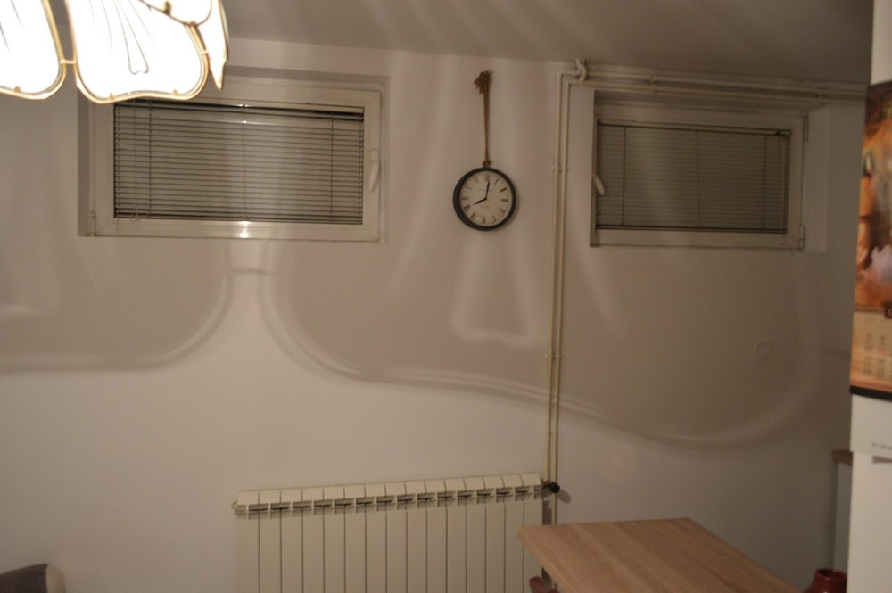 Apartman 3, prozori