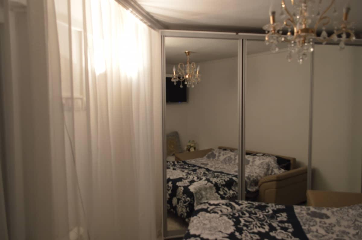 pogled kreveta u ogledalu