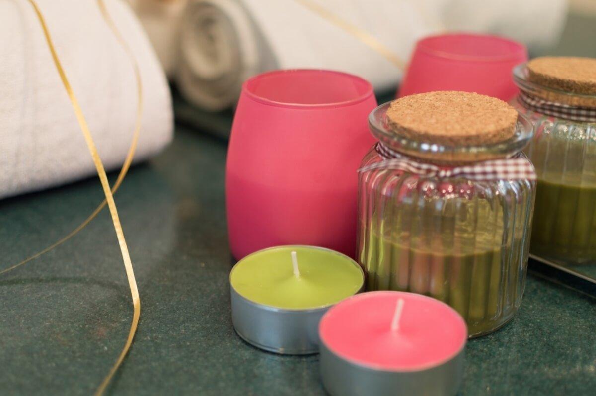 Apartman kod Bellvila i Simensa, kupatilo sa mirisljavim svecama