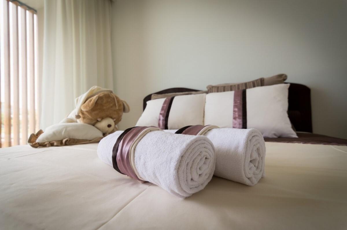 Apartman kod Bellvila i Simensa, spavaca soba lezaj
