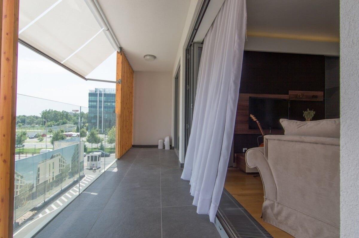 Apartman kod Bellvila i Simensa, terasa