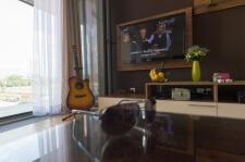 Apartman kod Bellvila i Simensa, dnevna sa tv